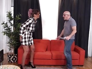 Voluptuous Stunner Is Impatiently Fucking An Elderly Man Because He Is Often Providing Her Money