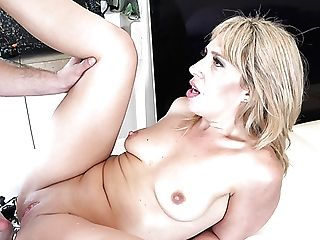 Picked On The Beach Whorish Mummy Stevie Lix Desires Of Good Missionary