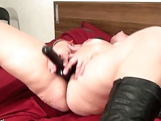 Big Matures Superslut Playing With Her Faux-cock - Maturenl
