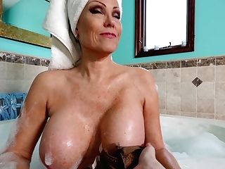 Delicious Cootchies And Deep Throats Of In Demand Adult Models In One Compilation Movie
