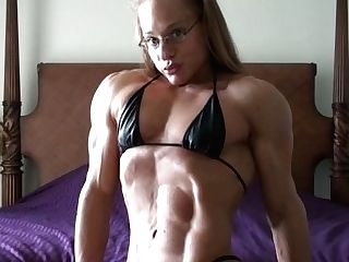 Monica Mowi 01 - Female Bodybuilder