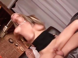 Carolyn Reese - Chesty Office Cougars