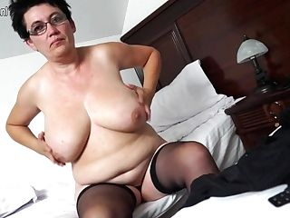 Horny Houswife Gettin' All Wild - Maturenl